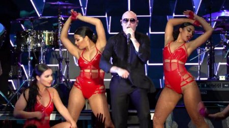 Pitbull ft. Theron Theron - Free Free Free (2018)