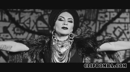 Тати - Девочка в черном (2015)