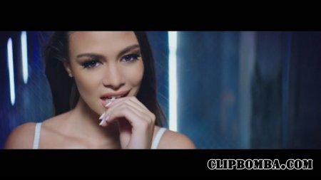 Wisin ft. Ricky Martin - Que Se Sienta El Deseo (2015)