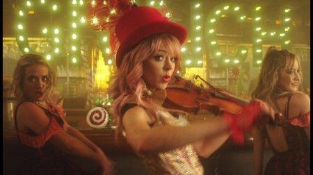 Lindsey Stirling ft. Sabrina Carpenter - You're A Mean One, Mr. Grinch (20 ...